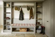 The boot room is having a moment! Here is how to design a practical bespoke boot room and how to make it a hardworking but beautiful space. Plain English Kitchen, English Kitchens, Boot Room Utility, Utility Room Designs, Flagstone Flooring, Hallway Storage, Boot Room Storage, Porch Storage, Brown Kitchens