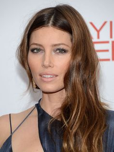The silvery shades on Jessica Biel's eyes catch the light for the perfect amount of flirty sparkle.