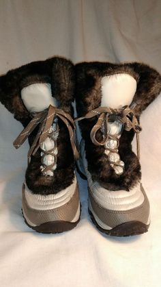 5ef36567be2a MINT - Youth Girls Size 4 The North Face Snow Boots Shoes Goose Down Boots
