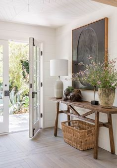 Interview: Photographer Lisa Romerein — HEATHER BULLARD Rustic Entryway, Entryway Decor, Entryway Ideas, Hallway Entrance Ideas, Country Hallway Ideas, Entrance Table, Home Interior Design, Interior Decorating, Design Interiors