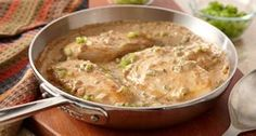 Smothered Chicken: Serve chicken breasts, smothered in mushroom gravy with pieces of onion, green pepper and celery, over wide noodles. Meat Recipes, Crockpot Recipes, Chicken Recipes, Cooking Recipes, Snacks Recipes, Yummy Recipes, Dinner Recipes, Smothered Chicken, Hungarian Recipes