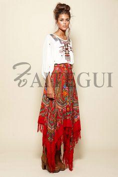 Falda asimétrica roja con estampado ruso - 295,00€ : Zaitegui - Moda y ropa de marca para señora en Encartaciones
