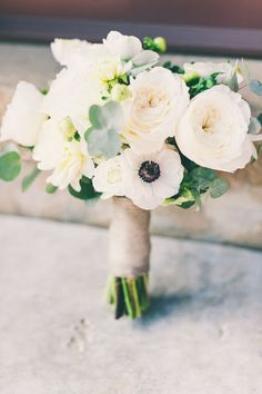 18 Adorable Small Wedding Bouquets for Your Big Day!