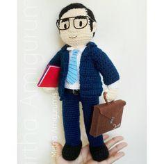 Lawyer Amigurumi custom doll 😍 Amigurumi personalizado/ custom ✏✂ @mirthamigurumis #amigurumi #crochet #doll #customdoll #ecuador Male Nurse, Designer Toys, Custom Dolls, Amigurumi Doll, Lawyer, Mini, How Are You Feeling, Snoopy, Ecuador