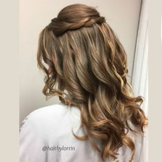 Soft and pretty down style for bridal attendant by @hairbylorrin