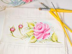 pintura-de-rosa-em-tecido