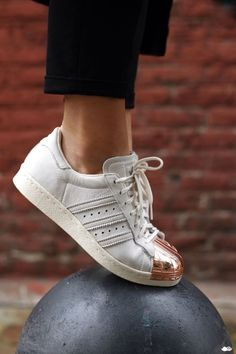 Metals are always a big trend, and 2015 is not an exception. Copper madness is hitting the world, so we decided to find 60 Lifestyle Home Design Ideas just for you. See everything at: http://www.homedesignideas.eu/50-lifestyle-home-design-ideas-copper-madness/  #adidasshoes #coppermetal #decortrends