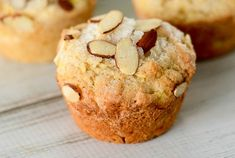 The delicious, easy recipe of apple and almond muffins! Source by Muffin Recipes, Apple Recipes, Cake Recipes, Breakfast Muffins, Breakfast Recipes, Almond Muffins, Cake Factory, Sweet Bread, Biscuits