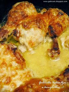 Mustáros-fokhagymás-tejfölös mártásban sült csirkecombok Chicken Leg Recipes, Chicken Legs, Garlic Bread, Macaroni And Cheese, Bacon, Food And Drink, Turkey, Meat, Ethnic Recipes
