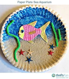 Summer is the perfect time to do some crafts and to have some family fun. Using some simple craft materials let your kids make this sea aquarium to remind them of their beach holiday. A really fun project, and really fast too! Ideal for those little minds