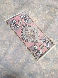 Excited to share this item from my #etsy shop: Oriental Rug, Faded Color Door Mat Rug, Outdoor Rug, Small Rug, Turkish Rug, Persian Small Rug, Oushak Small Rug, Hallway Rug, 1'57''x3'22' #housewares #wool #rectangle #doormat #bohemianeclectic #veteransday #floral #housewarming #orientalrug Vintage Bohemian, Bohemian Rug, Star Rug, Cleaning Items, Hallway Rug, Fade Color, Pink Rug, Tribal Rug, Small Rugs