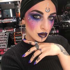 Most Creative Halloween Costumes, Scary Halloween Costumes, Halloween 2020, Halloween Ideas, Purple Halloween, Adult Halloween, Peach Makeup, Purple Eye Makeup, Makeup For Green Eyes