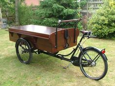 "Classic Dutch Cargo Bike ""Bakfiets"" professional delivery trike"
