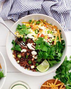 1,515 vind-ik-leuks, 13 reacties - Jeanine Donofrio / Love&Lemons (@loveandlemons) op Instagram: 'Taco Bowls with Cucumber Jalapeño (vegan) Ranch. 🌽🥒🥑 (#sponsored by @AlmondBreeze) Get the recipe…'