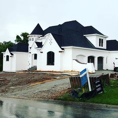 Concrete down and finishing up trim....#LouisvilleHomeBuilder #HomeBuildersLouisville #LouisvilleNewHomes #LouisvilleBuilders #Custom #HomeBuilderLouisville #LouisvilleCustomHomeBuilder #CustomHomeBuilder #CustomBuiltHomesLouisville #MeridianConstruction #NortonCommons #DavidWeis #Homearamabuilder