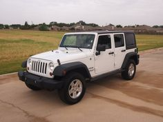2013 Jeep Wrangler Unlimited Sport; Max Tow Package (3.73 Rear Axle Ratio, Rear Slip Differential)