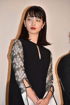 小松菜奈 Japanese Beauty, Asian Beauty, Nana Komatsu, Japan Girl, Girls Characters, Japanese Models, Beautiful Person, Girl Crushes, My Idol
