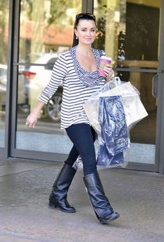 'Real Housewife' Kyle Richards Shows Us the Right Way to Wear Stripes Kyle Richards, Latest Celebrity News, Casual Wear, Fashion Beauty, Stripes, Street Style, Housewife, Celebrities, My Style