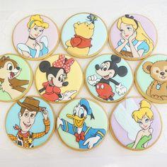 ディズニーキャラおまかせで10枚というオーダーでした。 #icingcookies #sugarcookies #アイシングクッキー #ディズニー #disney