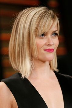 2 - Le carré effilé de Reese Witherspoon - EN IMAGES. 60 coiffures à guetter pour la rentrée - L'EXPRESS
