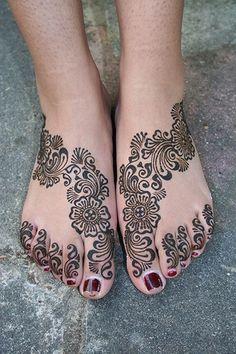 CHILL BOX OF PICS: Mehndi Tattoo Designs