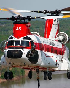Boeing / Vertol 234 (Commercial Boeing Chinook) Helicopter - Owned by: Columbia Helicopters Inc – Used as a Helitanker Helicopter Private, Helicopter Plane, Military Helicopter, Jet Plane, Military Aircraft, Boeing Ch 47 Chinook, Chinook Helicopters, Aigle Animal, Zeppelin
