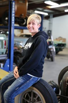 A lot of people that come into the shop say I look like Christie Brimberry, the office manager on Gas Monkey Garage. Gas Monkey Garage, Gaz Monkey, Richard Rawlings, Fast And Loud, Woman Crush, Cute Hairstyles, Short Hair Styles, Tv Shows, Celebs