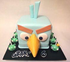 Angry Birds Space Ice Bird cake