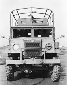 truck91 Canadian Army, British Army, 4x4, Ww2 Photos, Rolling Stock, Military Equipment, Car Wheels, Old Trucks, Military Vehicles