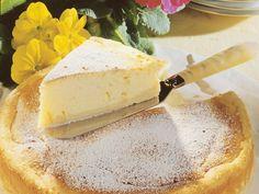 Käsekuchen auf französische Art | Zeit: 40 Min. | http://eatsmarter.de/rezepte/kaesekuchen-auf-franzoesische-art