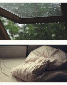 Ficar na cama nas tardes chuvosas <3
