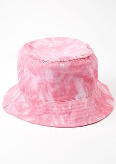 Your 'fit is fire in this rad pink tie-dye bucket hat. Pair it with your fave look and get groovy! Fancy Hats, Cute Hats, Outfits With Hats, Cute Outfits For Kids, Bucket Hat Outfit, Tie Dye Hat, Unicorn Fashion, Tie Dye Fashion, Fashion Eye Glasses