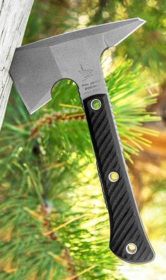 This Mini Jenny Tomahawk model is outfitted with black handle scales and a Tungsten Cerakote finished head. Cool Knives, Knives And Swords, Rmj Tactical, Tactical Knife, Hunting Girls, Bear Hunting, Knife Drawing, Knife Template, Tomahawk Axe