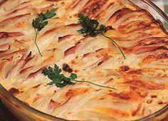 Experimente! Batata holandesa é deliciosa e superprática de fazer - Gastronomia - Bonde. O seu portal Good Food, Yummy Food, Tasty, Antipasto, Parmesan Roasted Potatoes, Vegetarian Recipes, Healthy Recipes, Portuguese Recipes, Fruits And Veggies