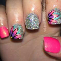 What Christmas manicure to choose for a festive mood - My Nails Get Nails, Fancy Nails, Trendy Nails, Diy Nail Designs, Purple Nails, Pink Purple, Hot Pink, Fabulous Nails, Flower Nails
