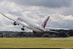 Qatar Airways Boeing 787-8DZ Dreamliner performing touch and go