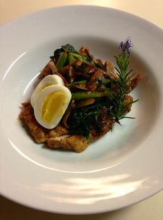 BRAISED PINTXO SAUCE CHICKEN WITH MUSHROOMS, ASPARAGUS AND EGG. Very Spanish as with most food.