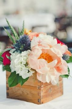 Rustic Wedding Centerpiece Ideas | photography by http://thenicholsblog.com/