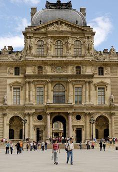 Louvre :: Pavillon Sully [east end Cour Napoléon] √ http://www.louvre.fr/en/