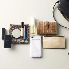 What In My Bag, What's In Your Bag, What's In My Purse, Embroidery Bags, Laptop Tote, Divas, Pouch, Wallet, Purse Organization