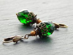 Ohrringe - Altgold und Waldgrün von Perlenfontäne auf DaWanda.com