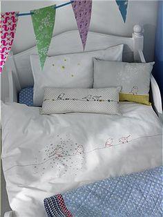 Mit dieser super süßen Kinderbettwäsche kann jedes Kind gut einschlafen. Wir bieten Ihnen die Bettwäsche in zwei Größen an.