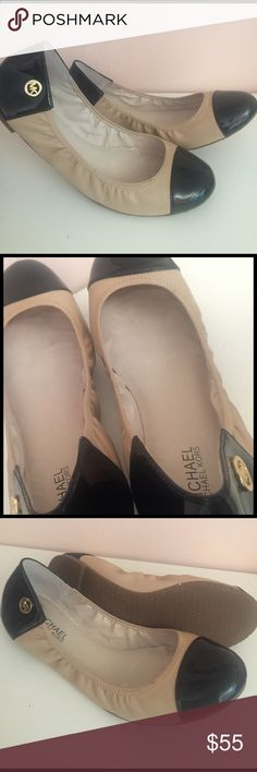 Michael Kors Ballet Flats, Beige/Black 9.5 Michael Kors Ballet Flats - Scrunchy Middle - Beige Leather - Black Patent Leather Toe - Looks like Chanel style! - Size 9.5 - Gently Used (worn just a few times) - From a Smoke-Free and Pet-Free Home! Michael Kors Shoes Flats & Loafers