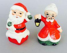 Vintage Lefton Japan Santa On Chimney & Mrs Claus Lantern Salt & Pepper Shakers