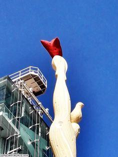 """Escultura de Alberto Sánchez titulada: """"El pueblo español tiene un camino que conduce a una estrella"""" Es una copia de la escultura realizada en 1937. Museo de Arte Reina Sofía. """"The Spanish people have a path that leads a star"""" , sculpture by Alberto Sánchez Queen Sophia Museum of Art"""