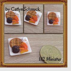 Frühstück gefälligst ?  Hier mal eine #Waffel mit #Schokoladeneis und #Mango, gefertigt mit #Fimo #polymerclay im Maßstab 1:12 Was sagt ihr ? Ich bekomm ja gleich Appetit  Also habt noch einen schönen Sonntag und genießt das tolle Wetter !! #minifood #miniatures #miniaturefood #fimoaddict