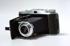 Camara Voigtlander Bessa I Formato 120. Lente retraible de f/3.5. Completamente funcional. Articulo de coleccionista. Tengo dos :)     $250