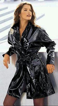 Spirit of the Mode aus Lack, Cire Vinyl Raincoat, Pvc Raincoat, Hooded Raincoat, Black Raincoat, Raincoat Jacket, Imper Pvc, Mode Latex, Vinyl Clothing, Pvc Coat