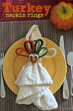 What a cute and creative way to display napkins on the Thanksgiving table! Kids Crafts: Turkey Napkin Rings for Thanksgiving Thanksgiving Crafts For Kids, Thanksgiving Parties, Thanksgiving Activities, Thanksgiving Table, Kids Crafts, Fall Crafts, Diy Napkin Rings Thanksgiving, Thanksgiving Blessings, Holiday Crafts