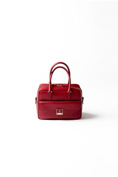 Kyoko Kikuchi's Closet | 理想の赤バッグは、定番カーカで発見
